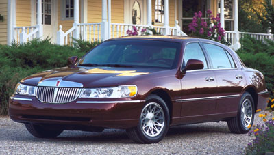2001 Lincoln Town Car Review