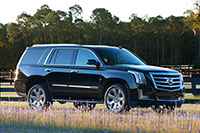 2016-escalade-driving