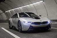 2016-i8-driving