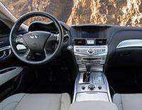 2016-q70-interior